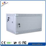 Шкаф 19 дюймов установленный стеной с дверью металла