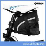 자전거는 클립-온 팽창할 수 있는 안장 시트 부대를 자루에 넣는다