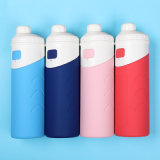 Quattro bottiglie isolate vuoto pieghevole di colori