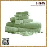 Комплекты полотенца гостиницы, комплекты полотенца ванны, полотенце ванны пятна