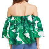 Цветок женщин способа сексуальный вскользь напечатанный с кофточки плеча