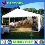 Tienda al aire libre del acontecimiento de la boda del restaurante de la aduana que acampa