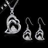 De Juwelen van de Manier van het Zirkoon van de Vorm van het hart voor Meisje worden geplaatst dat