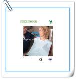 Bavoir dentaire avec la note de la CE