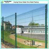 曲げられたPVCによって塗られる溶接された金網の塀