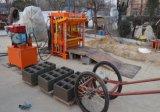 Piccolo blocchetto vuoto alimentato idraulico del motore diesel che fa macchina Qt4-40