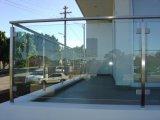 지면 마운트 스테인리스 유리제 방책 포스트 테라스 방책 디자인