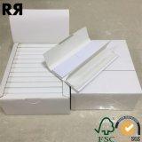 Un papier de roulement fait sur commande blanc fait sur commande plus riche de cigarette de la marque 13GSM avec des extrémités de filtre