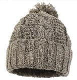 冬のアクリルのハンドメイドのニットPOM POMの帽子の帽子