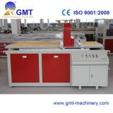 Producción plástica de la tarjeta de la espuma de la corteza de WPC que saca haciendo la máquina