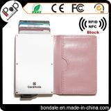 高品質のカードIDのバッジホールダーの札入れが付いている革カードの保護装置