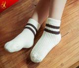 Baby-Socken-Großhandelssport-Socken-Kind-Strumpfware kundenspezifisch anfertigen