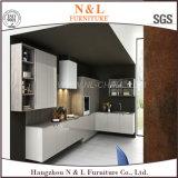 Mobília de madeira lustrosa elevada do gabinete de cozinha do projeto moderno