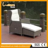 Marco de jardín de aluminio muebles del patio de mimbre Puente Alto Ocioso mentira Hamaca con reposapiés
