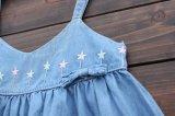Kind-Kleidung-Sommer-Fußleisten-Kind-Mädchen-Form-Denim-Klammer-Kleid
