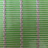 Engranzamento de fio decorativo dos Ss usado como cortinas jantando salão
