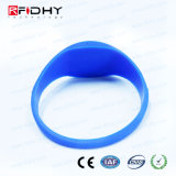 Modifica-Esso Wristband blu del silicone di 2048 RFID nella figura della vigilanza