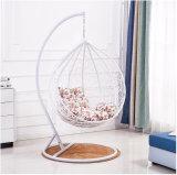 現代余暇の家具の金属の柳細工のハングの椅子の円形の藤(J830)