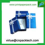 Rectángulo de regalo plegable plano de la impresión de la cartulina de encargo del papel con la cinta