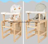 테이블과 의자를 가진 목제 아기 공급 의자