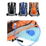물 방광을%s 가진 야영 수화 책가방을 하이킹하는 옥외 운동