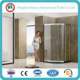 Ausgeglichener einfacher Dusche-Bad-Raum/Dusche-Kabine