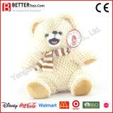 Urso bonito dos animais enchidos no lenço