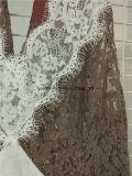 Lacet de mode d'usine de Guangzhou une ligne en arrière robe ouverte de plage du MIDI pour des femmes