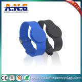 El caucho 125kHz RFID del estilo del reloj permitió los Wristbands para la piscina