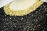 金のCallorの袖口およびヘムが付いている女性の黒の輝きのセーター