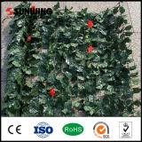 Pared artificial de la hoja de los nuevos del diseño de la decoración arbustos del verde con las flores
