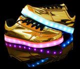 가장 새로운 Desijn 11의 색깔 LED 가벼운 단화, 우연한 여자 단화, 빛난 단화