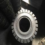 縁及び穴が付いている最上質の6.50-10の固体タイヤ