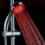 Testa di acquazzone tenuta in mano degli articoli sanitari LED della Cina per la stanza da bagno