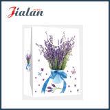ラベンダーの花のペーパー・キャリアのギフト袋が付いている卸し売りアイボリーペーパー