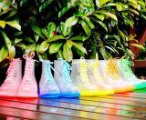 Bottes de pluie colorées adultes de chaussures de Martin de mode pour des femmes et des hommes