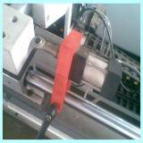 Finestra del PVC e saldatrice di profilo del portello