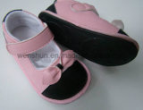 Ботинки 264 младенца гуляя