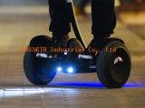 Scooter d'équilibre d'individu de 2 roues avec le traitement