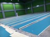 De Sporten die van pvc van de Hof van het badminton met Haak & Lijn vloeren Binnen