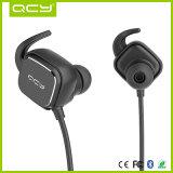 Magnetische Bluetooth Kopfhörer mit den Geräuschen, die für Sport beenden