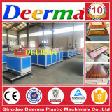 Machine pour le panneau de mur de PVC de produit