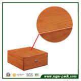 Caixa de relógio de madeira de bambu personalizada com veludo
