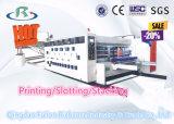 型抜きの機械装置に細長い穴をつけるFlexoの高速自動波形の印刷