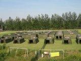 Im Freienfeld-Segeltuch-kampierendes Armee-Militärzelt
