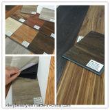 Cliquetis de vinyle de plancher de PVC