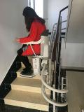 Elevación curvada de la escalera del carril