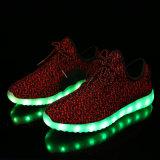 Licht van de Lader van de Schoenen USB van Yeezy het In het groot op LEIDENE Schoenen voor Vrouwen