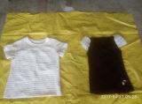 As senhoras pequenas das balas do preço barato Short o creme de vestuário usado roupa usado camisa da luva T