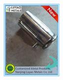 Подвергая механической обработке часть с нержавеющей сталью